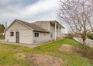 Foreclosed Home en S 120TH ST, Seattle, WA - 98168