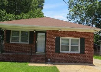 Foreclosed Home en LINDEN AVE, Chesapeake, VA - 23325