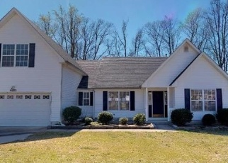 Foreclosed Home en SUNDOWN DR, Carrollton, VA - 23314