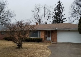 Foreclosed Home en OAK GROVE PL, Toledo, OH - 43613