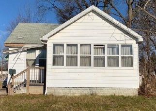 Foreclosed Home en E STRATHMORE AVE, Pontiac, MI - 48340