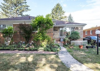 Foreclosed Home en BLACKSTONE ST, Oak Park, MI - 48237