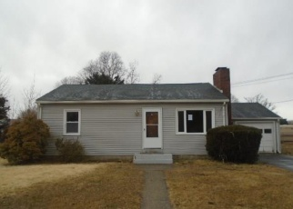 Foreclosed Home en SAINT PAUL CT, Groton, CT - 06340