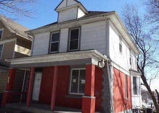 Foreclosed Home en CYPRESS AVE, Kansas City, MO - 64124