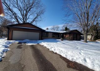 Foreclosed Home en UTICA CIR, Minneapolis, MN - 55437