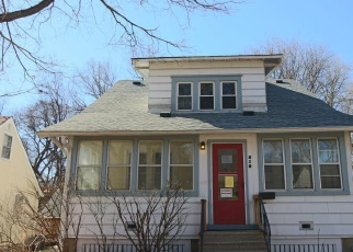 Foreclosed Home en WINONA ST W, Saint Paul, MN - 55118