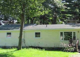 Foreclosed Home en WOODLEA RD, Oscoda, MI - 48750