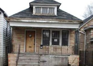 Casa en ejecución hipotecaria in Chicago, IL, 60617,  S KINGSTON AVE ID: F4394272
