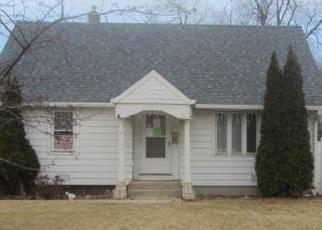 Casa en ejecución hipotecaria in Melrose Park, IL, 60164,  DEWEY AVE ID: F4394280