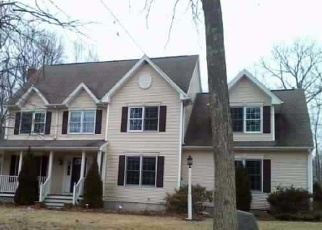 Foreclosed Home en HICKORY CT, Tolland, CT - 06084