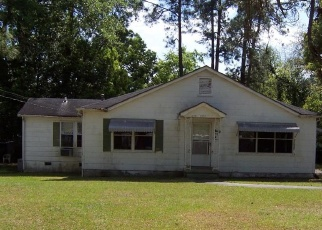 Foreclosed Home en LEE AVE, Tifton, GA - 31794