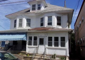 Foreclosed Home in E BAKER AVE, Wildwood, NJ - 08260