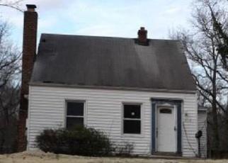 Casa en ejecución hipotecaria in Suitland, MD, 20746,  MAPLE RD ID: F4394519