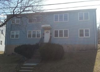 Foreclosed Home in OAK RIDGE DR, New Haven, CT - 06513