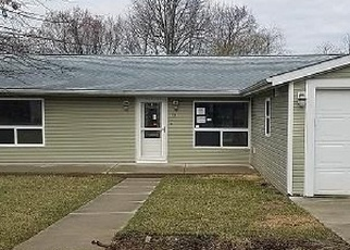 Foreclosed Home in FAY LN, Fairview Heights, IL - 62208