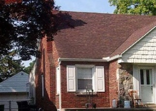 Foreclosed Home en REGINA AVE, Allen Park, MI - 48101