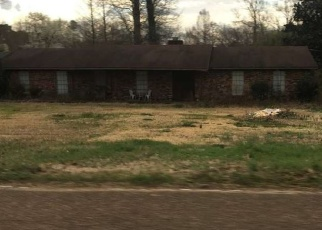 Foreclosed Home in HENDERSON RD, Byram, MS - 39272
