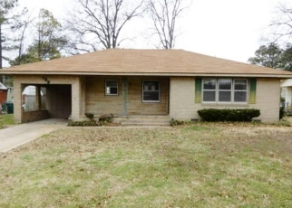 Foreclosed Home in N CRESCENT DR, Blytheville, AR - 72315