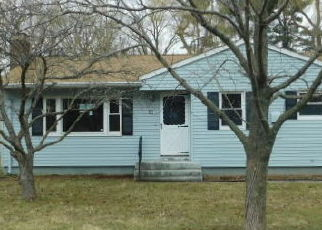 Foreclosed Home en LEWIS RD, New Britain, CT - 06053