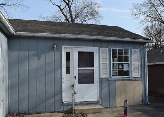 Foreclosed Home in WESCOTT ST, Mount Vernon, IL - 62864