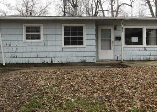 Foreclosed Home in N BEARD ST, Danville, IL - 61832