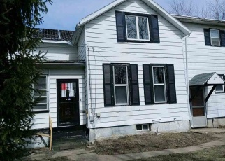 Foreclosed Home in N WILBUR AVE, Freeport, IL - 61032