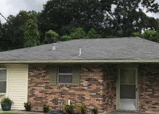 Foreclosed Home in SAINT PETER ST, Houma, LA - 70363
