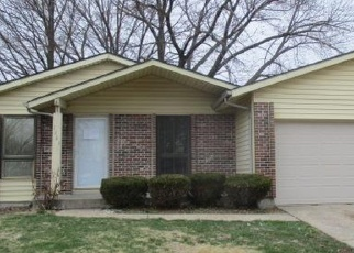 Foreclosed Home en PARK NEW YORK DR, Florissant, MO - 63031