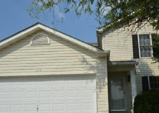 Foreclosed Home en JOHN CHARLES DR, Wentzville, MO - 63385
