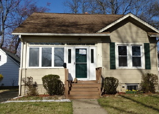Foreclosed Home in JACKSON AVE, Dunellen, NJ - 08812