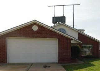 Foreclosed Home in OAKRIDGE DR, Purcell, OK - 73080