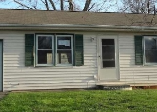Foreclosed Home in IDLEWYLDE CIR, Johnson City, TN - 37601