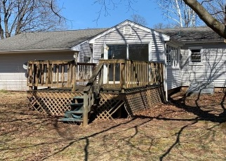 Foreclosed Home en S PLAINS RD, Southington, CT - 06489