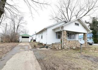 Foreclosed Home en MCNAIR ST, Versailles, MO - 65084