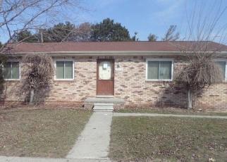 Foreclosed Home en MCGILL ST, Roseville, MI - 48066