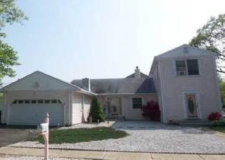 Foreclosed Home in JEFFERSON DR, Brick, NJ - 08724
