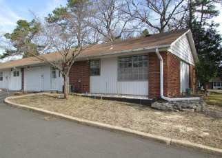 Foreclosed Home in PORTSMOUTH DR, Lakewood, NJ - 08701