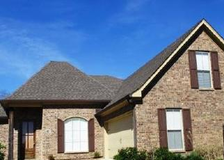 Foreclosed Home in ENCLAVE CIR, Ridgeland, MS - 39157