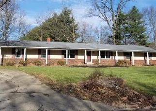 Foreclosed Home in WEBSTER HILL EST, Mount Vernon, IL - 62864