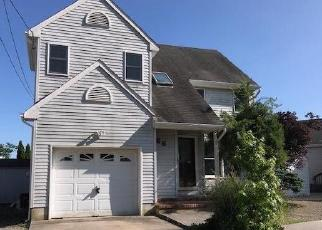 Foreclosed Home in VEEDER LN, Bayville, NJ - 08721