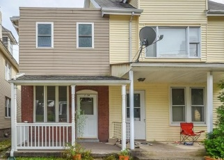 Foreclosed Home en FREEMANSBURG AVE, Easton, PA - 18042