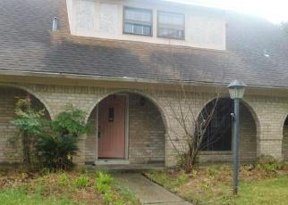 Casa en ejecución hipotecaria in Houston, TX, 77082,  CEDAR GARDENS DR ID: F4395468