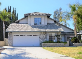Foreclosed Home en CARRIAGE HILLS CT, Highland, CA - 92346