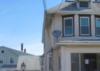 Casa en ejecución hipotecaria in Clifton Heights, PA, 19018,  MAPLE TER ID: F4395744