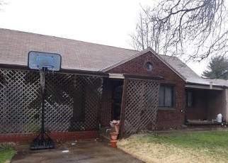 Foreclosed Home en PARK AVE, Farrell, PA - 16121
