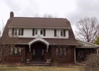 Foreclosed Home en E HAZELCROFT AVE, New Castle, PA - 16105
