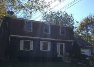 Foreclosed Home en MAPLE TER, Ledyard, CT - 06339