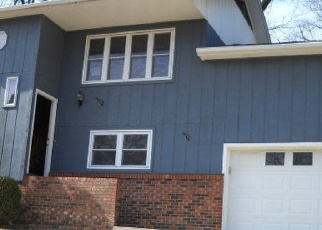 Foreclosed Home en CANYON DR, Neosho, MO - 64850