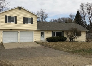 Foreclosed Home en W CLARK RD, Lansing, MI - 48906