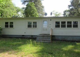 Foreclosed Home en COLTON POINT RD, Coltons Point, MD - 20626